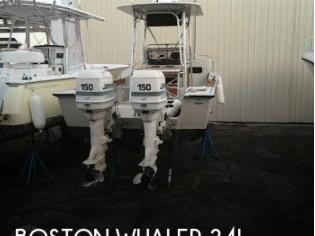 Boston Whaler Outrage 25 Cuddy