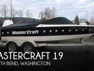 Mastercraft ProStar 19 Skier