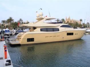 Ferretti Yachts 840 Altura