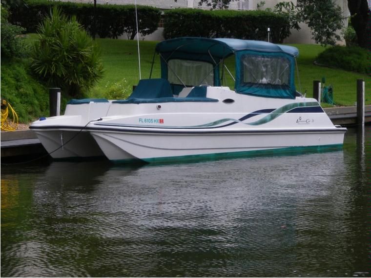 Regal Leisure Cat 26 Sc In Florida Power Boats Used
