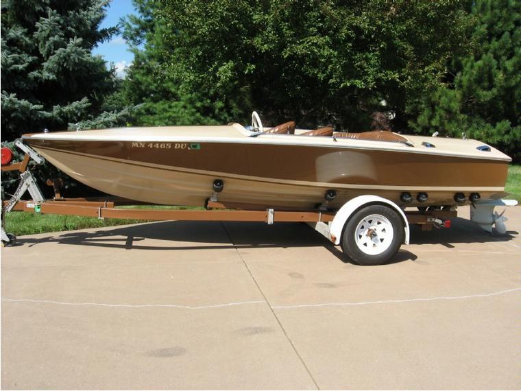 Donzi Classic 18 2 3 Custom In Minnesota Power Boats
