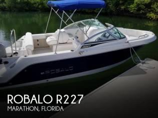 Robalo R227