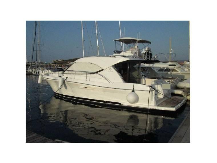 3600 Sport Yacht
