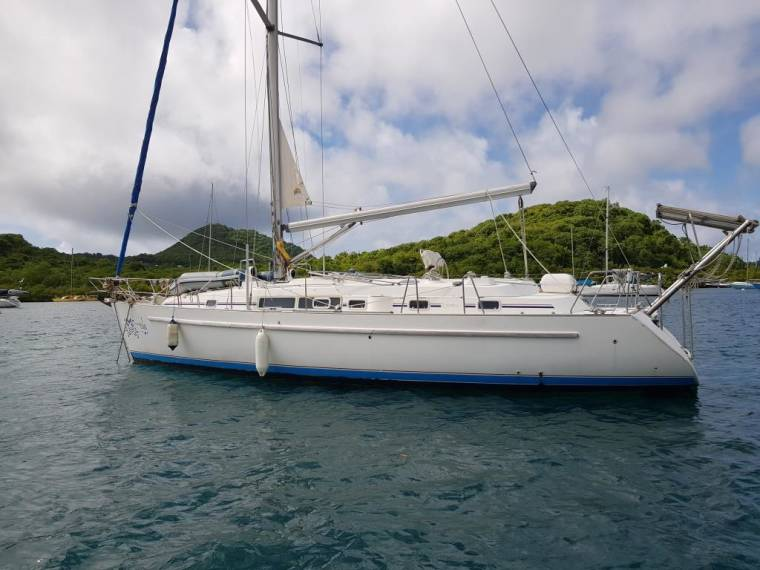 Beneteau Oceanis 40 CC in Fort-de-France | Sailing ...