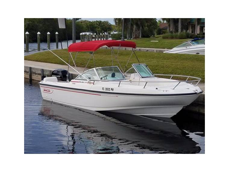 Boston Whaler 20 Dauntless dual console Sold in Florida | Power