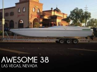 Awesome 38' Signature Cat