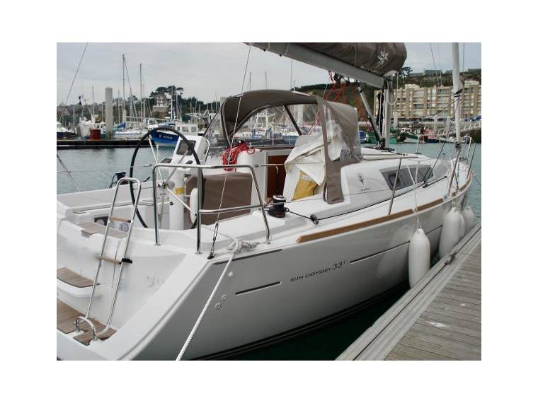 Jeanneau Sun Odyssey 33i In France Sailing Cruisers Used 25410
