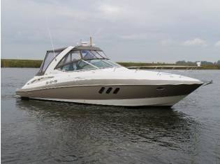 Motor Yacht CRUISER 330 EXPRESS