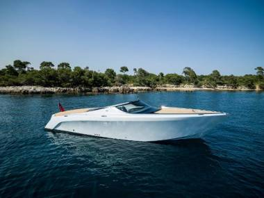 Mulder Aston Martin Am37 Power Boat New For Sale 48551 New Boats For Sale Inautia