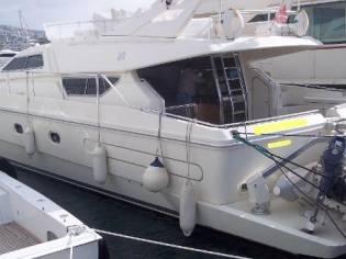 Ferretti Yachts 54