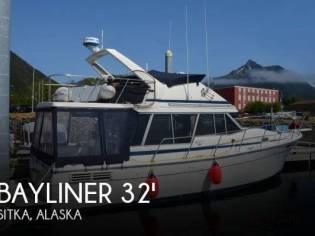 Bayliner 3218 Aft Cabin
