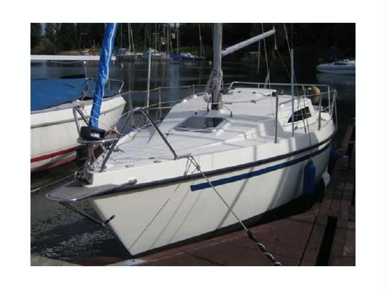 Balaton 21 in Friesland   Sailing yachts used 89810 - iNautia
