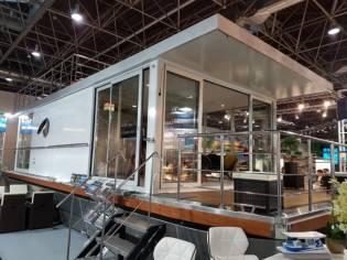House Boat Maison Flottante 12 X 4.5m
