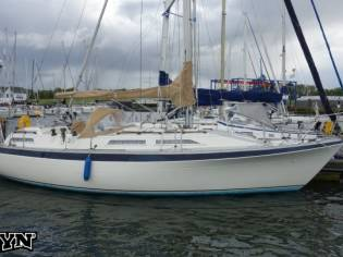 Marine Projects Moody Yachts UK Moody 333