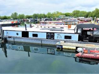 Wide Beam Narrowboat 70 x 12 SP Longboats Fitout