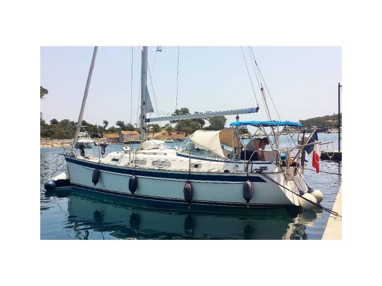 Hallberg-Rassy 310 in France | Sailing cruisers used 15648 - iNautia