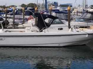 Boston Whaler Conquest 280