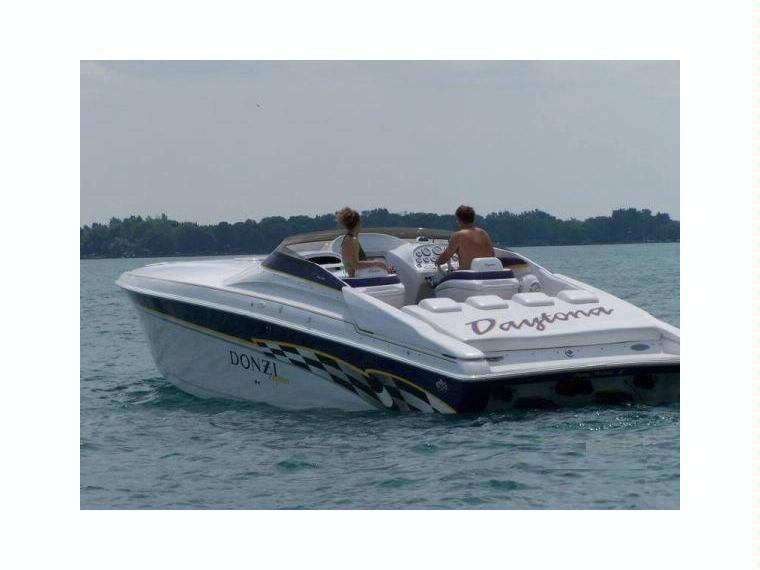 Donzi 38ZX Daytona in Attiki   Motor yachts used 54486 - iNautia