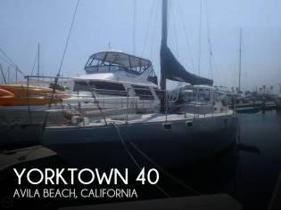 Yorktown 40 Center Cockpit
