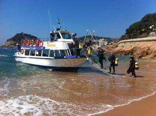 Commercial Snorkelling Day Cruiser Fishing Boat