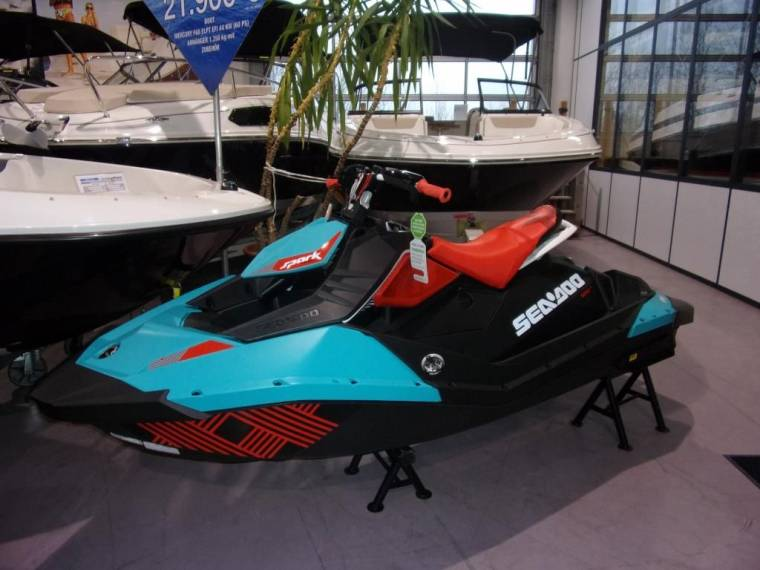 Sea-Doo Spark Trixx sofort lieferbar new for sale 48102 | New Boats