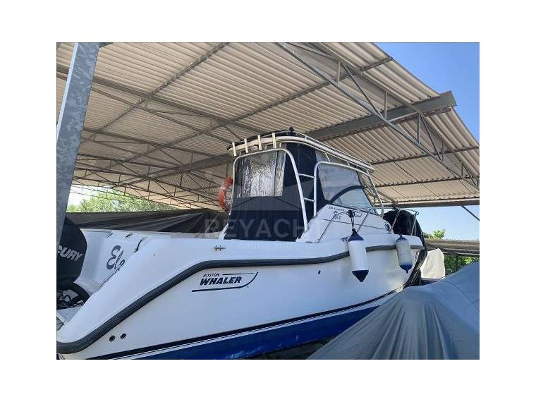 Boston Whaler 255 Conquest In Italy