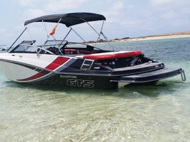 Glastron GTS 225 in Puerto Deportivo Marina Botafoch