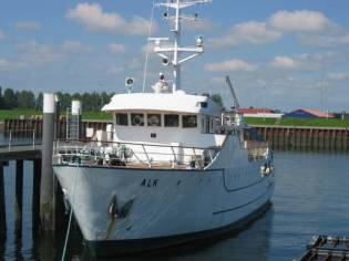RESEARCH VESSEL RV