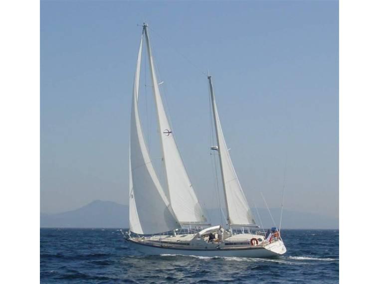 Amel Super Maramu in Port de La Grande Motte | Sailing