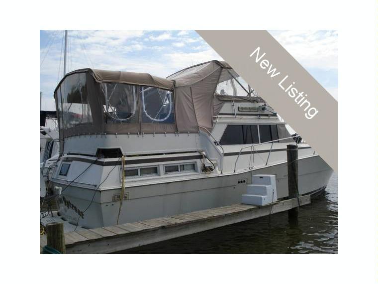 Viking 43 double cabin motor yacht in florida cruisers for Viking 43 double cabin motor yacht
