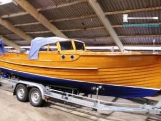 Koperen plaatje in boot Pettersson Salonboot