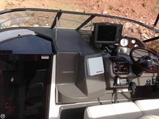 Regal 2665 Commodore