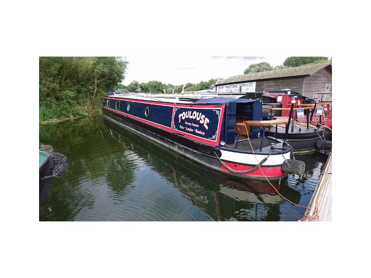 Semi-Traditional Narrowboat