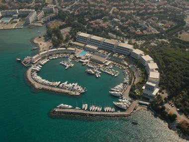 Çesme Setur Altinyunus Marina Izmir