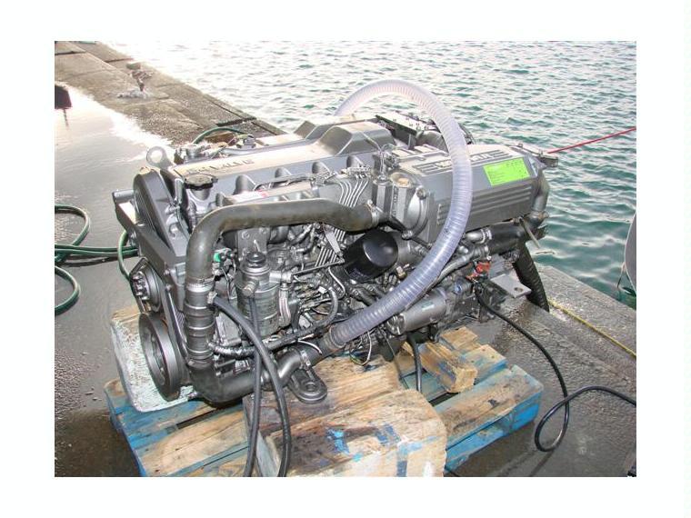 moteur turbo diesel yanmar de 300cv avec inverseur zf 63a second hand 66656 inautia. Black Bedroom Furniture Sets. Home Design Ideas