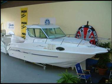 Saver Manta 21 Fisher Motor boat