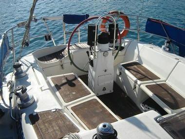 BAVARIA 350 C | Photos 4 | Sailboats